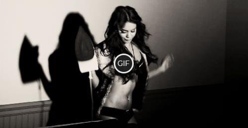 Гифки девушка танцует
