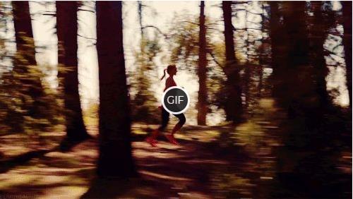 Гифки девушки в лесу