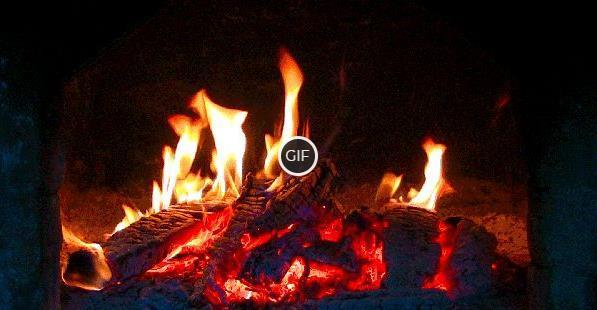 Гифка огонь красиво горит в камине