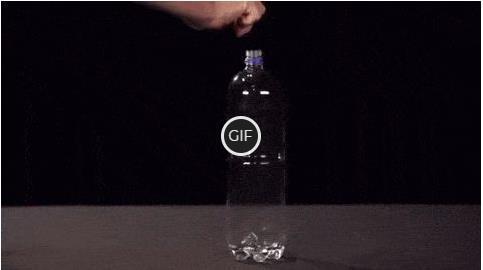 Гифка фокус с бутылкой