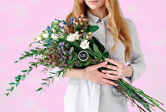 Гифки девочка с букетом цветов