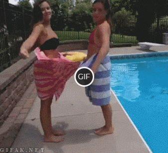 Смешные гифки с фейлами девушек