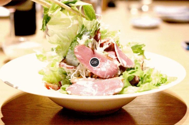 10 самых дешевых, но вкусных салатов – простые рецепты на каждый день и для праздничного застолья